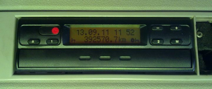 HGVs: Widespread tachograph manipulation detected in Germany; Belgium fights overloading