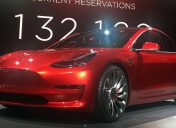 "US consumer organisation raises concerns over latest Tesla ""autopilot"" features"