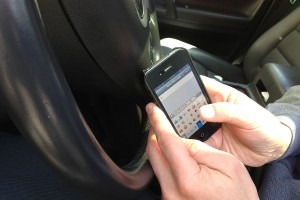 UK to close loophole and prevent all handheld phone use while driving